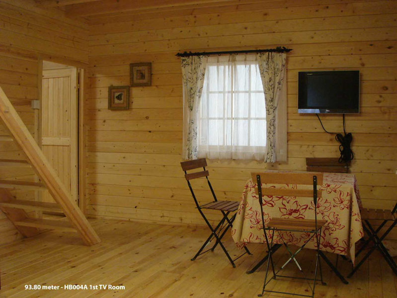 104-m2-HB004A-TV-Room
