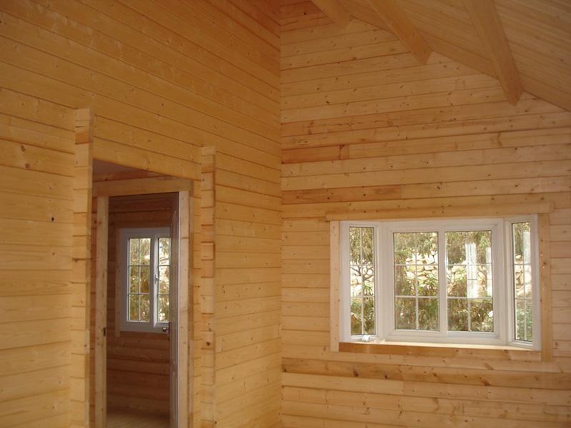 48-HB0901-42m-living-room1
